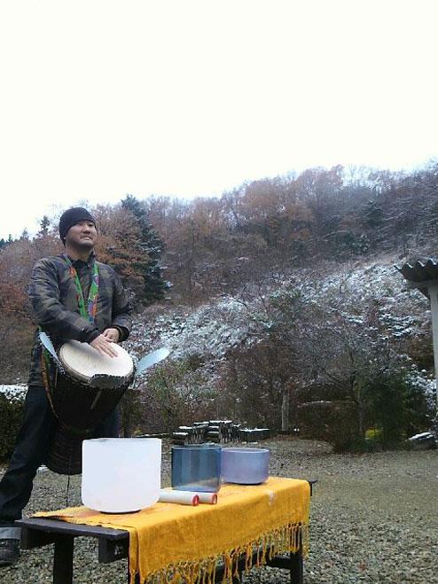 寺山鉱泉でジャンベ